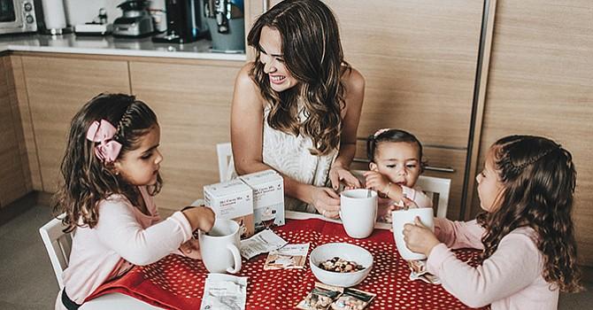 Las fiestas aún no terminan! Jacky Bracamontes comparte cómo su familia celebra el Día de los Reyes Magos