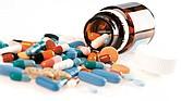 NECESARIO. La automedicación es la primera mala costumbre que debemos erradicar de nuestra comunidad, además de sancionar la venta de medicamentos sin prescripción.