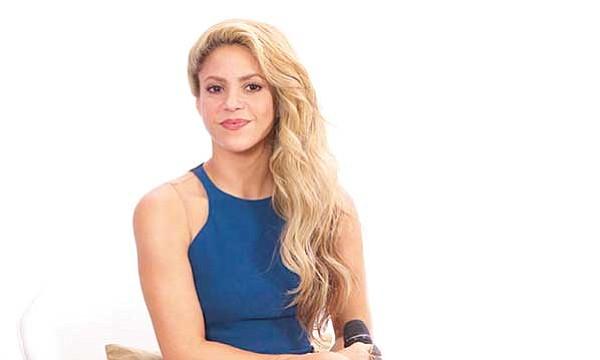 Shakira no se operará por temor a perder la voz