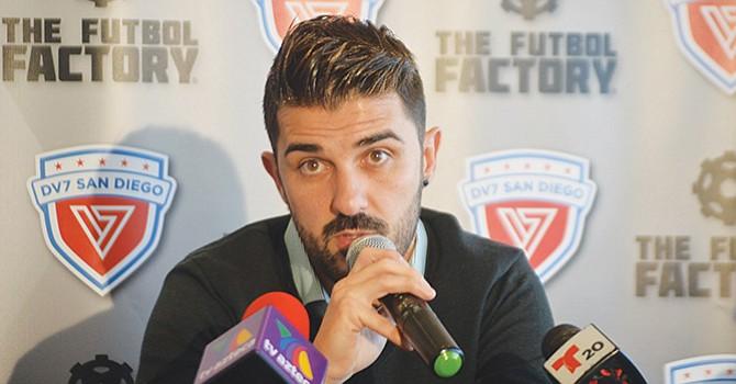 Ofrece clínica en SD el campeón mundial de Sóccer, David Villa, firmó una alianza con club local
