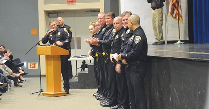 Seguridad en escuelas busca el CVPD, y en foro pide colaboración de la comunidad