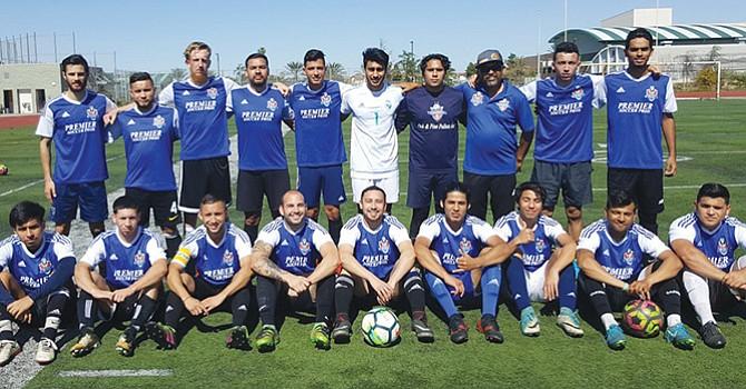 En tercera división juega equipo local de Fútbol Sóccer