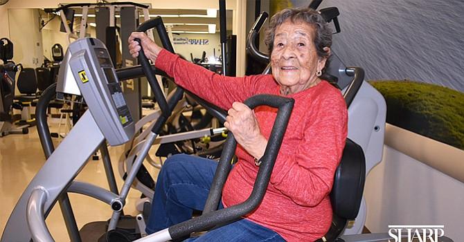 Activa a los 95 a punto de convertirse en centenaria, Ilaria Cruz se ejercita tras recuperase de una enfermedad pulmonar