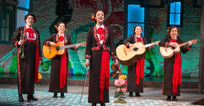 Llena de emoción, la noche de apertura de la obra American Mariachi, en el Teatro Old Globe en Balboa Park
