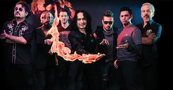 Rock en español; Luis 'El Haragán' Álvarez y el grupo Compañía complacen al público de San Diego