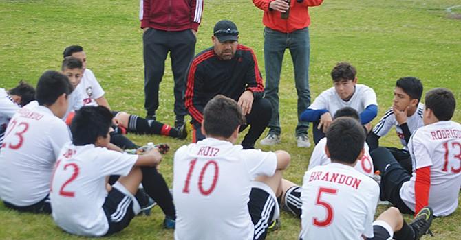 """""""Una hermosa aventura"""" la que vive en cada partido el entrenador Tony Lizaola"""