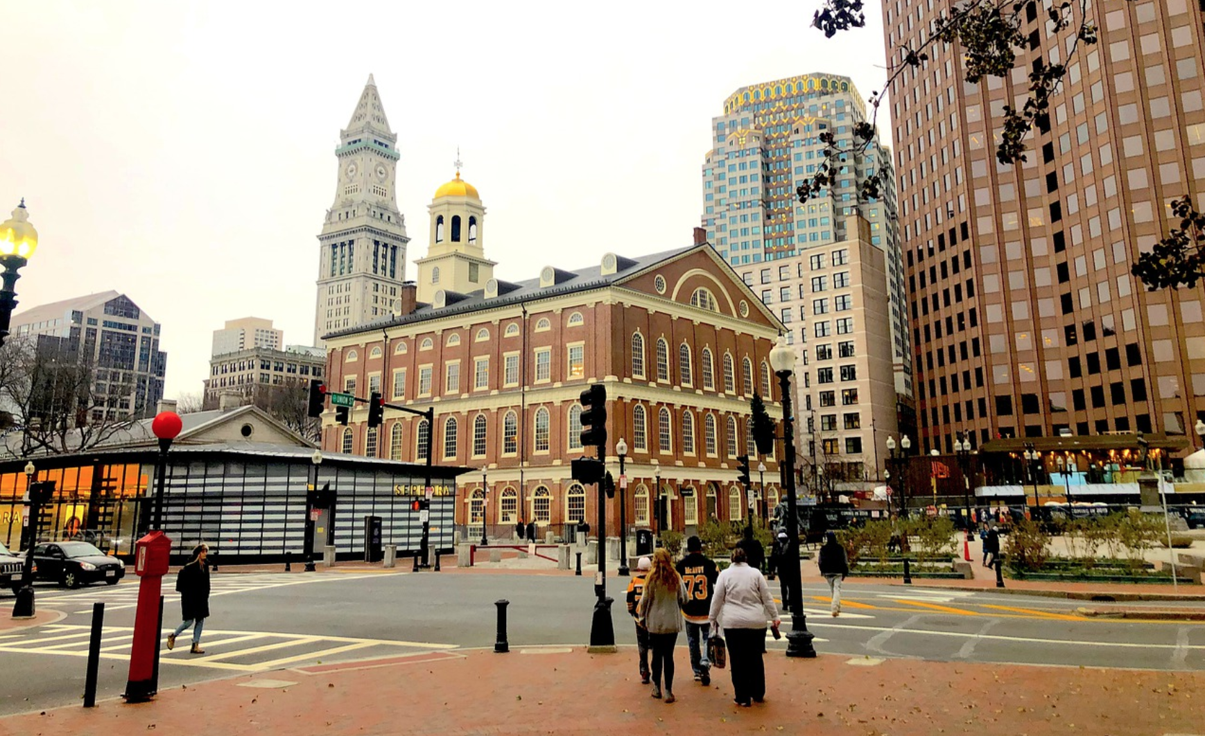 LOCAL. Faneuil Hall, en el centro de Boston