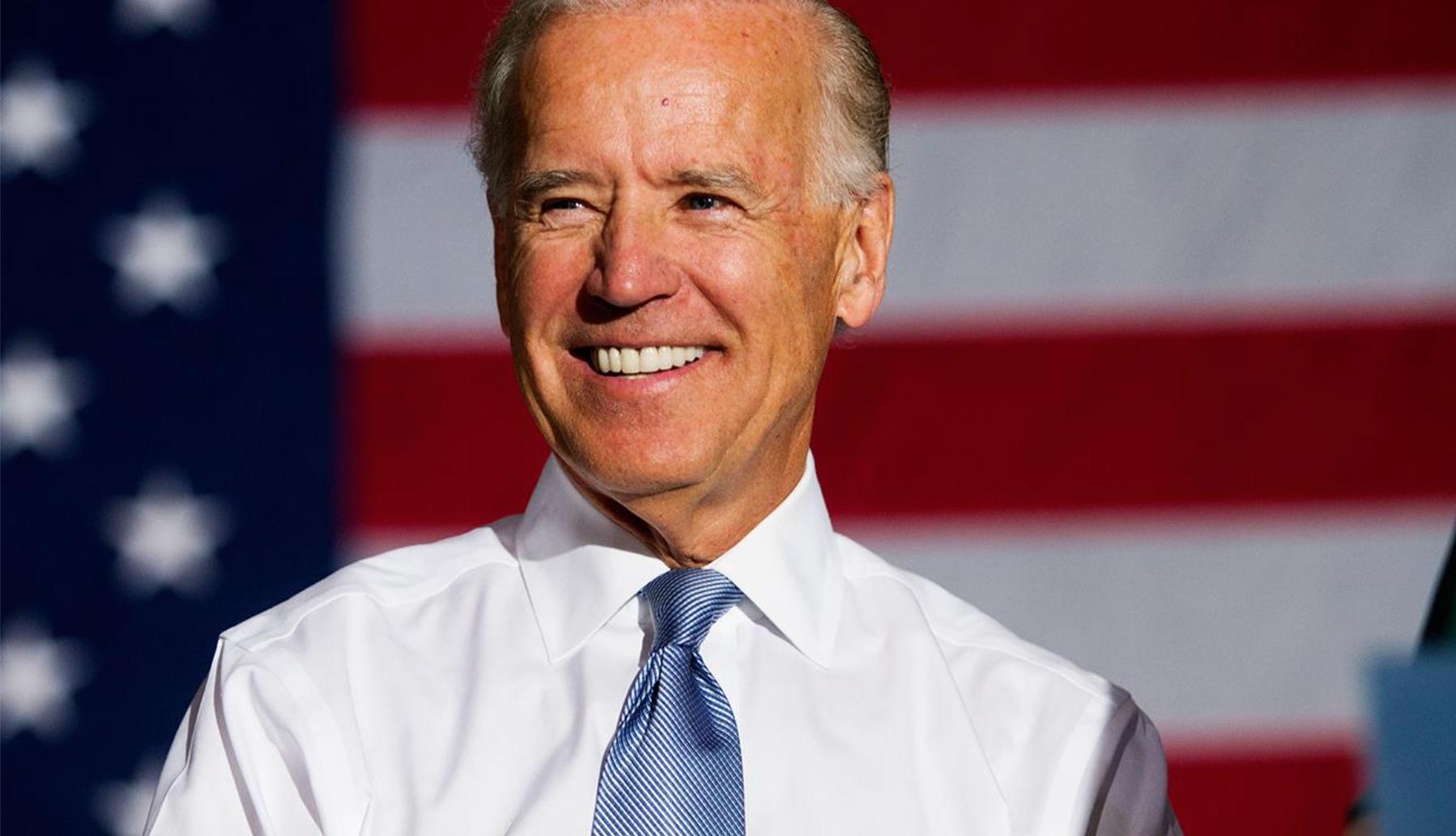 Un 51% del electorado prefiere el plan de Biden para desarrollar y distribuir una vacuna para COVID-19.