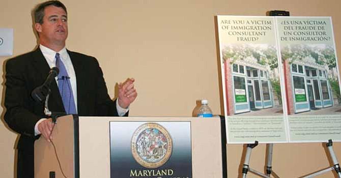 Fiscal general de Maryland lanza campaña contra fraude migratorio