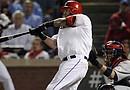 El receptor Mike Nápoli de los Texas Rangers espera reeditar este jueves su buena actuación del quinto juego