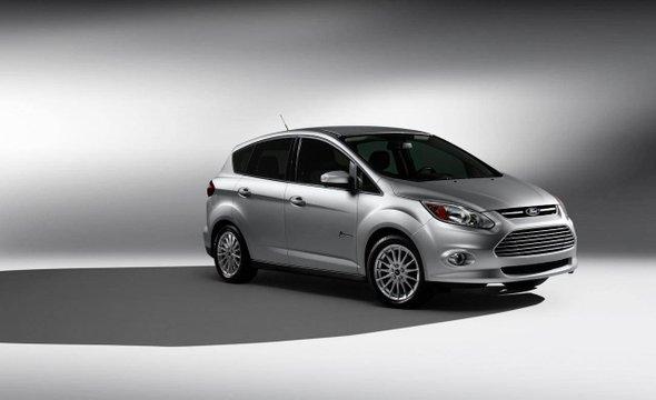 Ford Focus Completamente eléctrico, el nuevo Focus de 2012 intentará ser más competitivo en el tiempo de carga: entre 3 a 4 horas con una velocidad máxima de 80 millas por hora y potencia de 123 CV