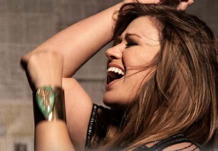 8- Stronger - Kelly Clarkson