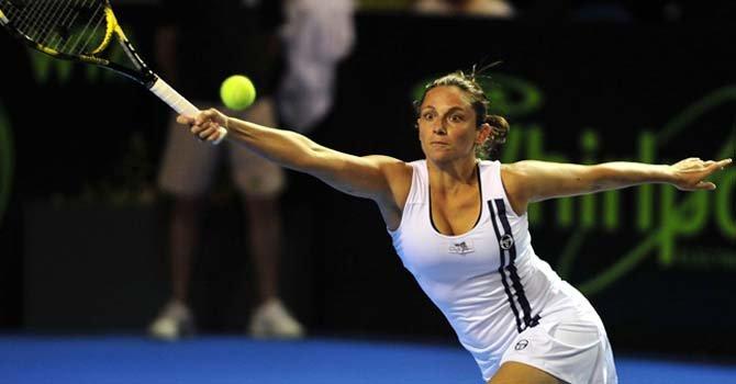 La italiana Vinci ganó con apuros a la estadounidense Coco Vandeweghe