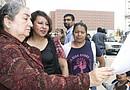 Activistas reclamaron que termine la aplicación del programa 287 (g) mediante el cual unos 30 mil  detenidos han sido puestos a disposición de las autoridades de inmigración