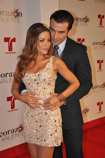 """La pareja protagónica de la telenovela """"Corazón valiente"""""""