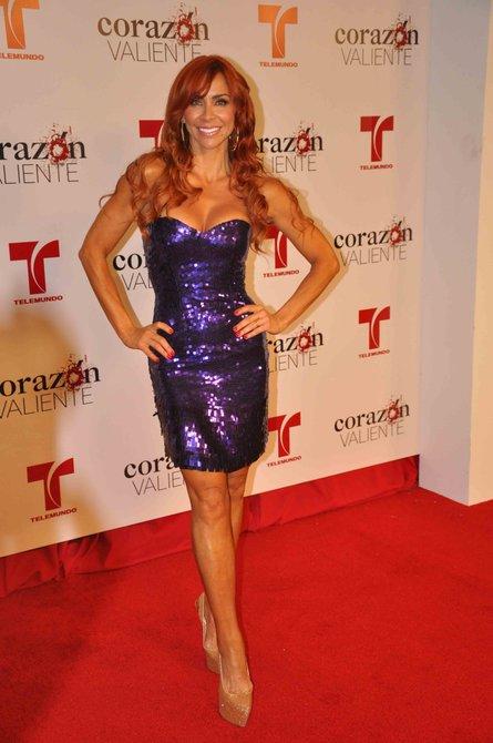 La actriz Aylín Mujica lució radiante como siempre, es una de las actrices que tiene mas glamur en la industria de la telenovela