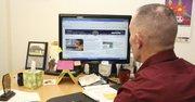 El investigador Russel Ackly, del Grupo Imágenes Inocentes del FBI, quien debe proteger su identidad, aconseja a los padres supervisar lo que hacen sus hijos en internet
