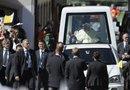 El papa Benedicto XVI hará recorridos en su vehículo especial desde el 23 de marzo, fecha en que llegará a la ciudad de León (Guanajuato), hasta el 26 del mismo mes, cuando se desplazará hasta Santiago de Cuba