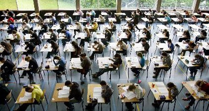 Alertan de la bomba financiera que suponen los créditos estudiantiles en EU
