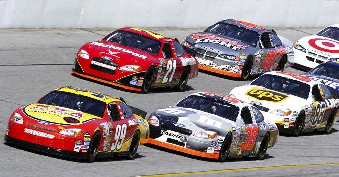 NASCAR sigue apostando al mercado hispano para aumentar número de seguidores