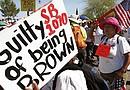 Grupos activistas han presentado infinidad de documentos con la esperanza de que las autoridades ratifiquen que la ley SB1070 viola la Constitución