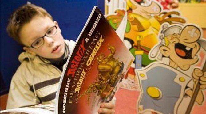 Hijos de padres que no hablan inglés mejoran su lectura si asisten a preescolar