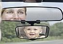 Cuelgue los avisos preventivos repartidos por HDF (Look before you lock) en el espejo retrovisor, para recordar chequear el vehículo antes de cerrarlo.
