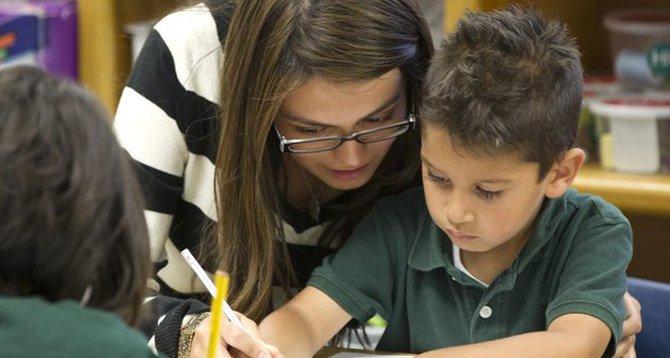 Proponen bono educativo