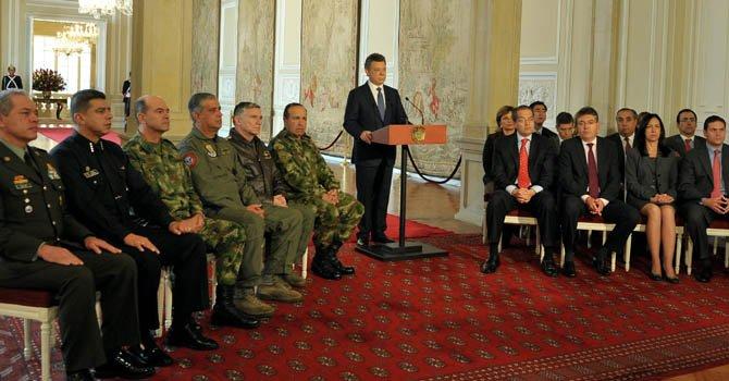 Anuncian diálogos de paz en Colombia