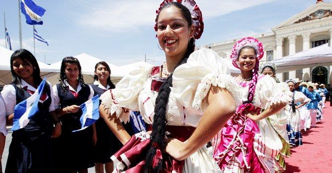 El Salvador: comienzan fiestas patrias
