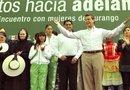 El presidente electo mexicano, Enrique Peña Nieto, habla durante una reunión con mujeres en Durango (México).