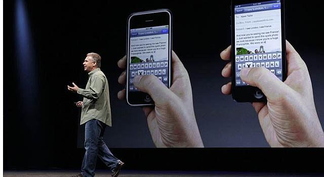 El vicepresidente de mercadeo de Apple, Phil Schiller, en la presentación del nuevo iPhone 5.
