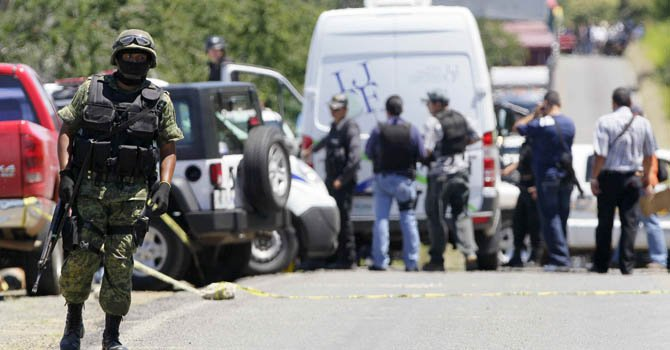 Hallan 17 cadáveres en México
