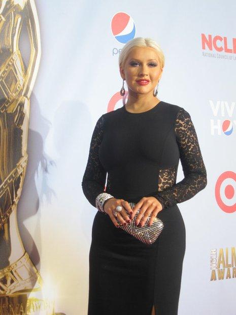 """La cantante Christina Aguilera. En los Premios Alma, la cantante recibió un tributo por su participación y trabajo con diferentes instituciones de ayuda. Ella es una de las jueces del programa de competencia musical """"The Voice""""."""