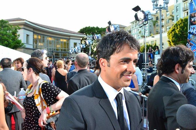 El cantante Luis Fonsi. El puertorriqueño abrió el lado romántico de la noche cantando a dúo con Martina McBride, soprano e intérprete de música country.