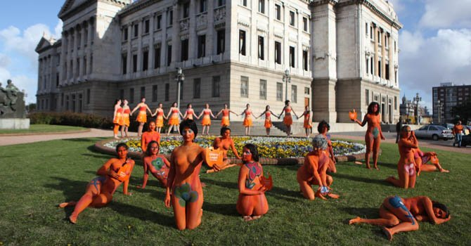 Uruguay aprueba ley que despenaliza el aborto