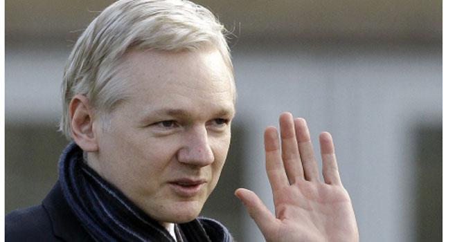 Julian Assange, creador de Wikileaks, presenta libro