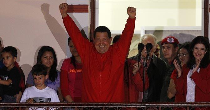 Chávez dice estar optimista por tratamiento