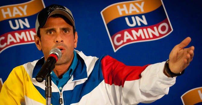 """Oposición duda que Chávez esté """"en funciones"""""""