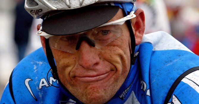 Agencia antidopaje arremete contra Armstrong