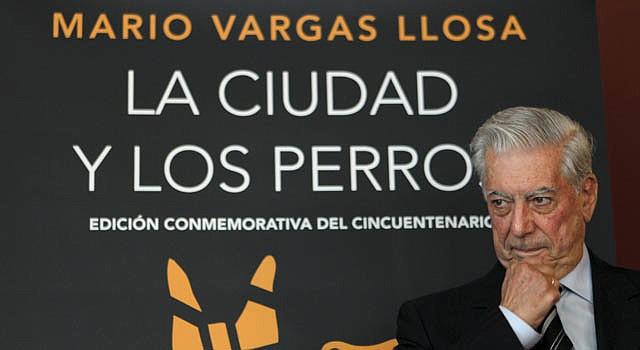 """El premio Nobel Mario Vargas Llosa, durante la presentación de la edición conmemorativa del cincuentenario de """"La ciudad y los perros"""", el 20 de junio de 2012."""