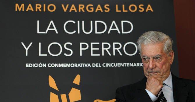 Vargas Llosa pide defender al español