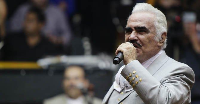 Vicente Fernández se somete a una biopsia