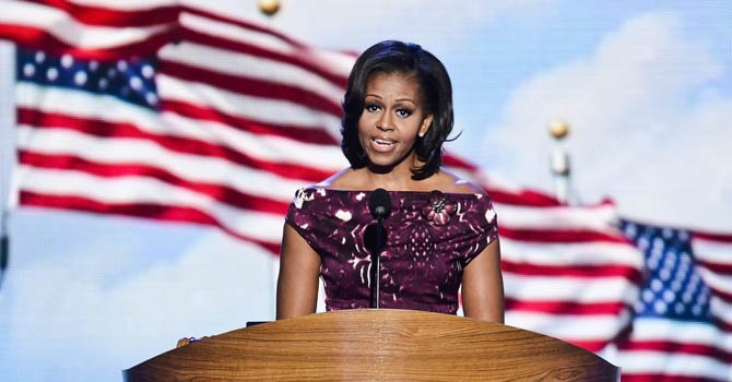 Michelle Obama moviliza al voto latino