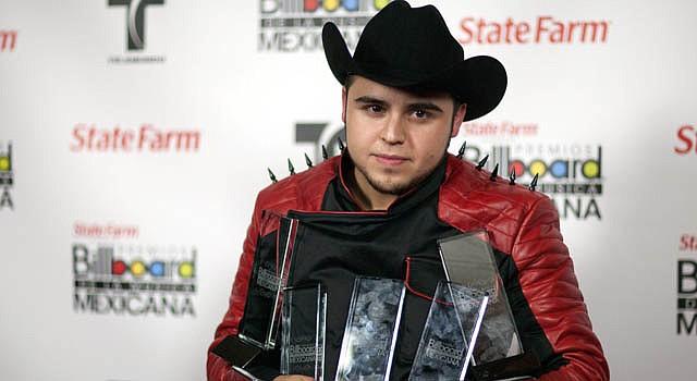 Gerardo Ortiz en la ceremonia de entrega de los premios Billboard a la Música Regional Mexicana.
