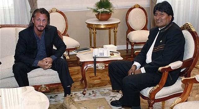 El actor Sean Penn y el presidente de Bolivia Evo Morales