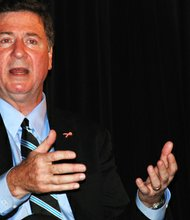 El republicano George Allen gobernó Virginia desde 1994 hasta 1998. Y fue senador en el Congreso desde 2001 a 2007.