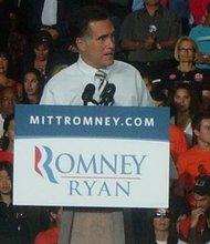 Mitt Romney (con el senador Marco Rubio) apuesta a más intercambio comercial con Latinoamérica.