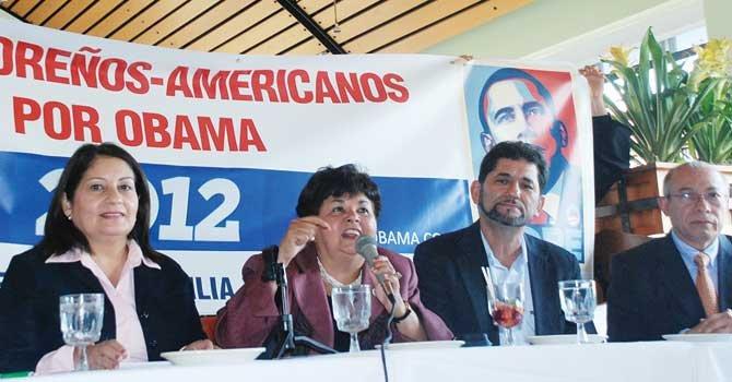 GRUPO. Salvadoreños por Obama lucha por la reelección del presidente.