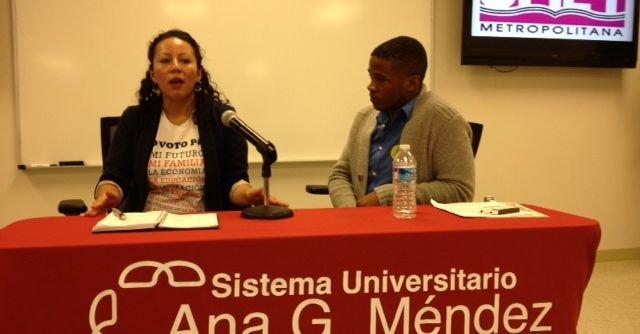 Jessy Mejía y Jonathan Green, en el evento para promover el voto latino en la universidad Ana G. Mendez, el sábado 3.